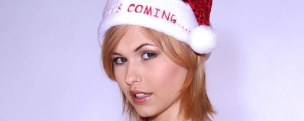 Iga Wyrwal – Santa`s coming…