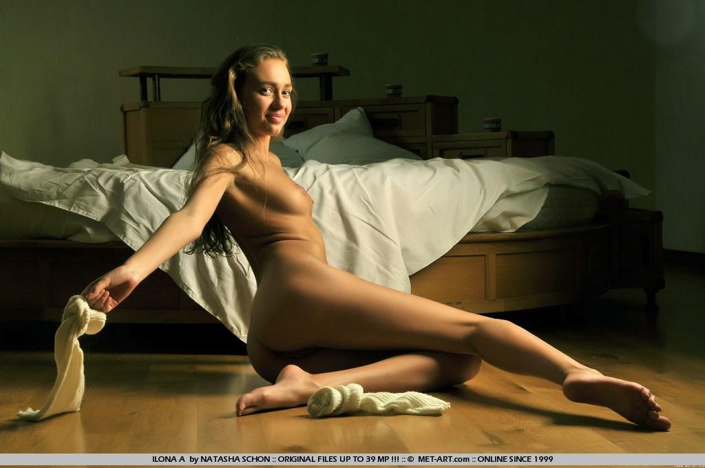 ilona-along-hair-leg-warmers-naked-metart-13