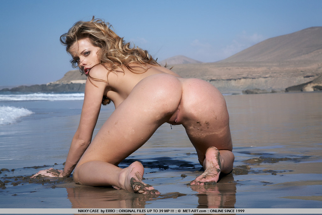 nikky-case-beach-wet-seaside-naked-blonde-met-art-06