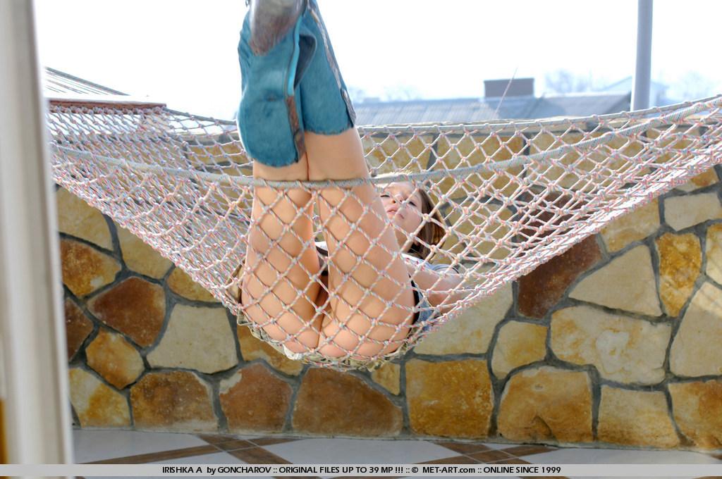 irishka-a-boobs-hammock-nude-couch-metart-08