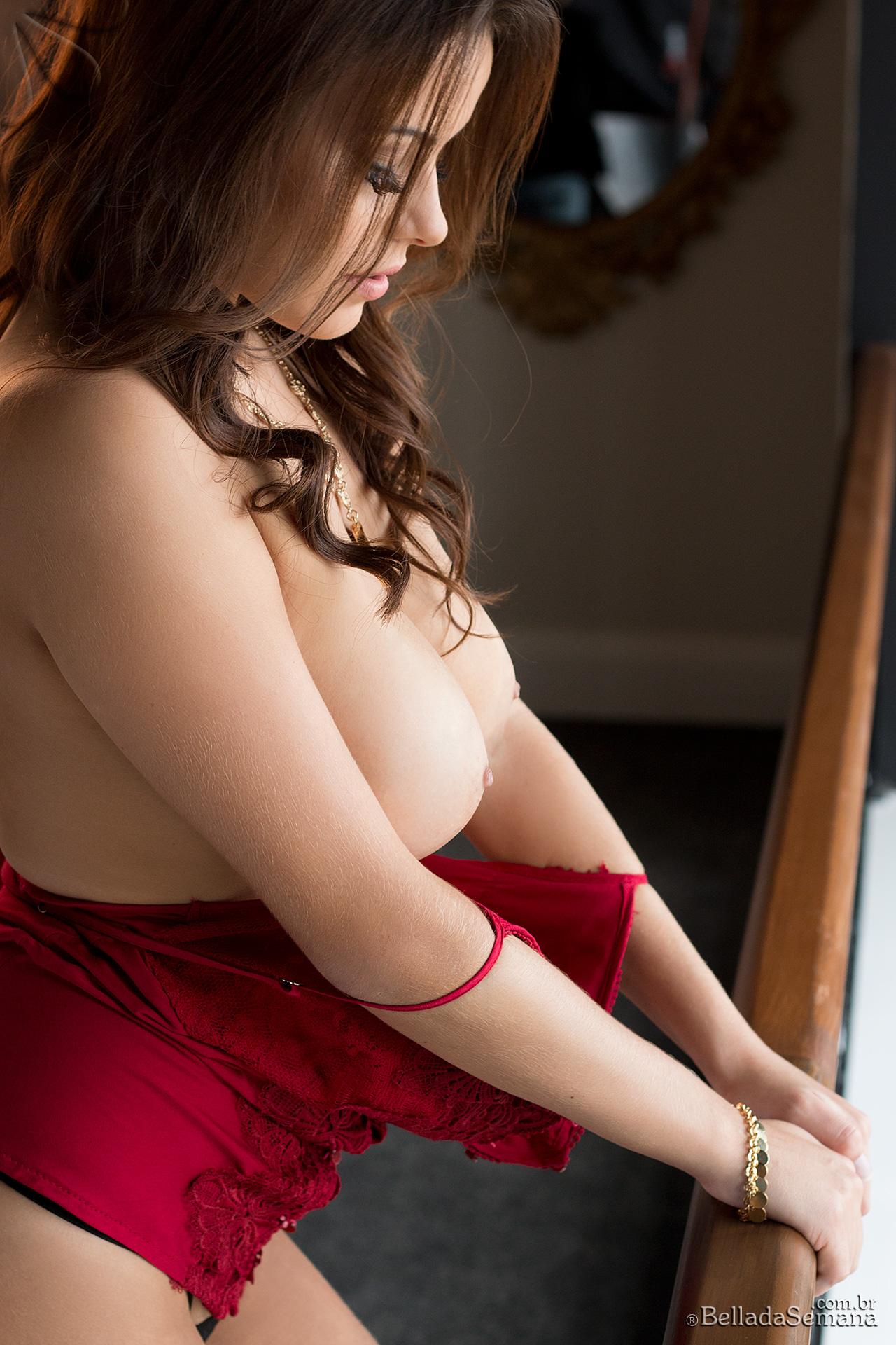 izabella-morales-red-corset-boobs-bellada-semana-07