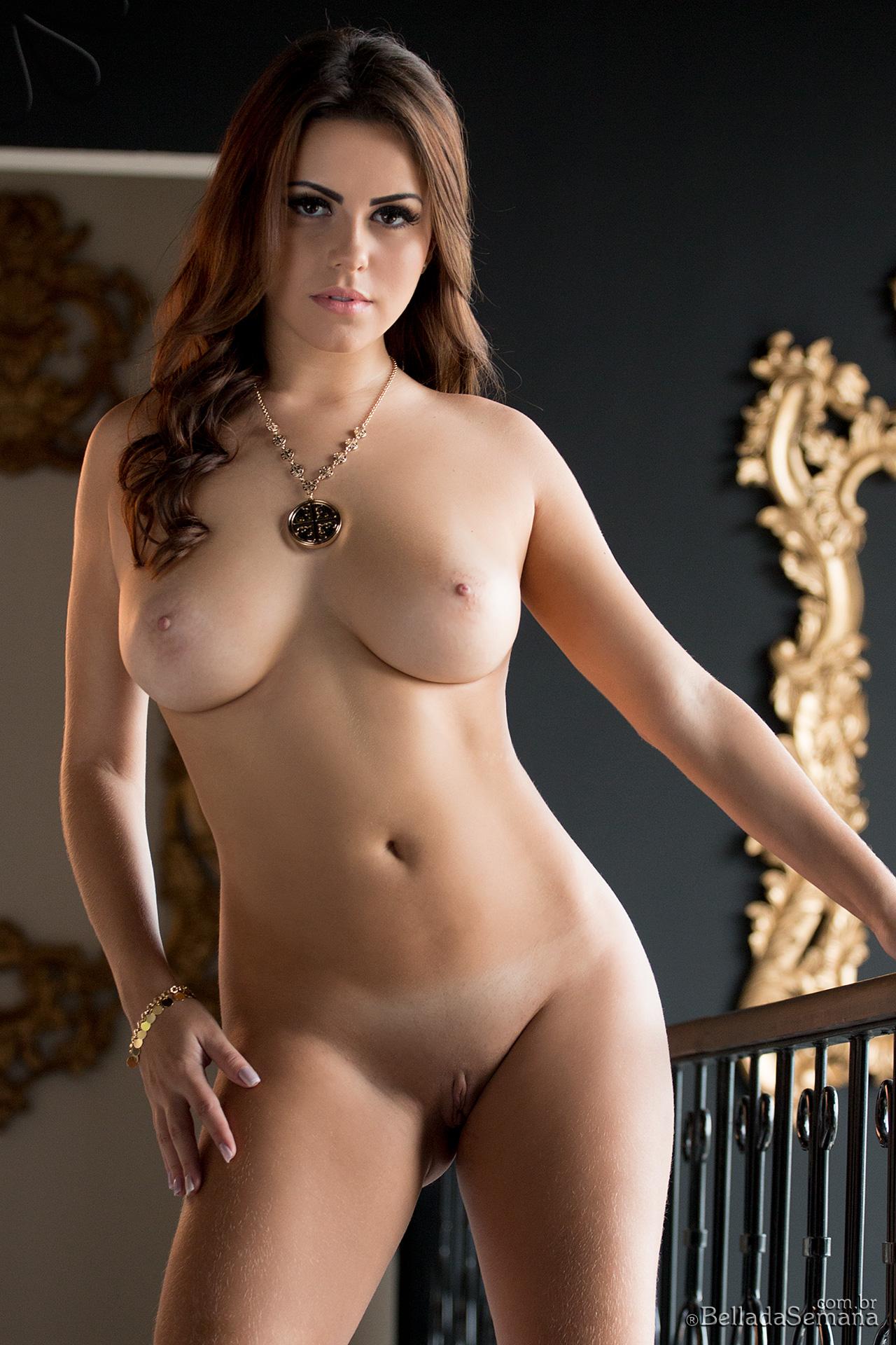 izabella-morales-red-corset-boobs-bellada-semana-11