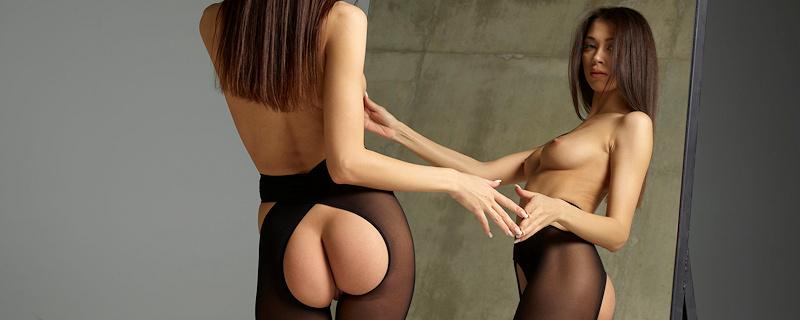 Jackie – Crotchless pantyhose