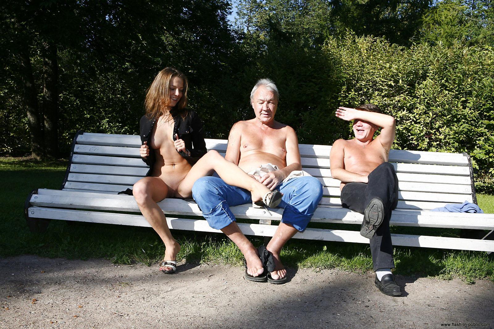 yanina-m-nude-walk-around-the-town-flash-in-public-45