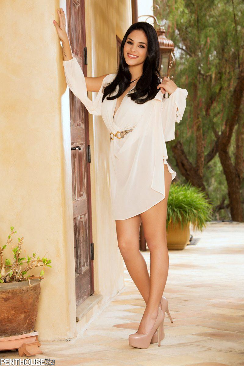 jasmine caro naked