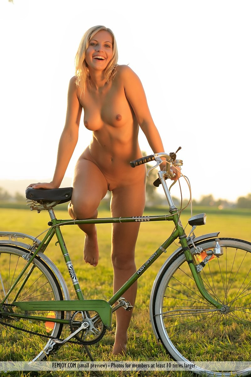Phrase... Girls xxx on bicycle