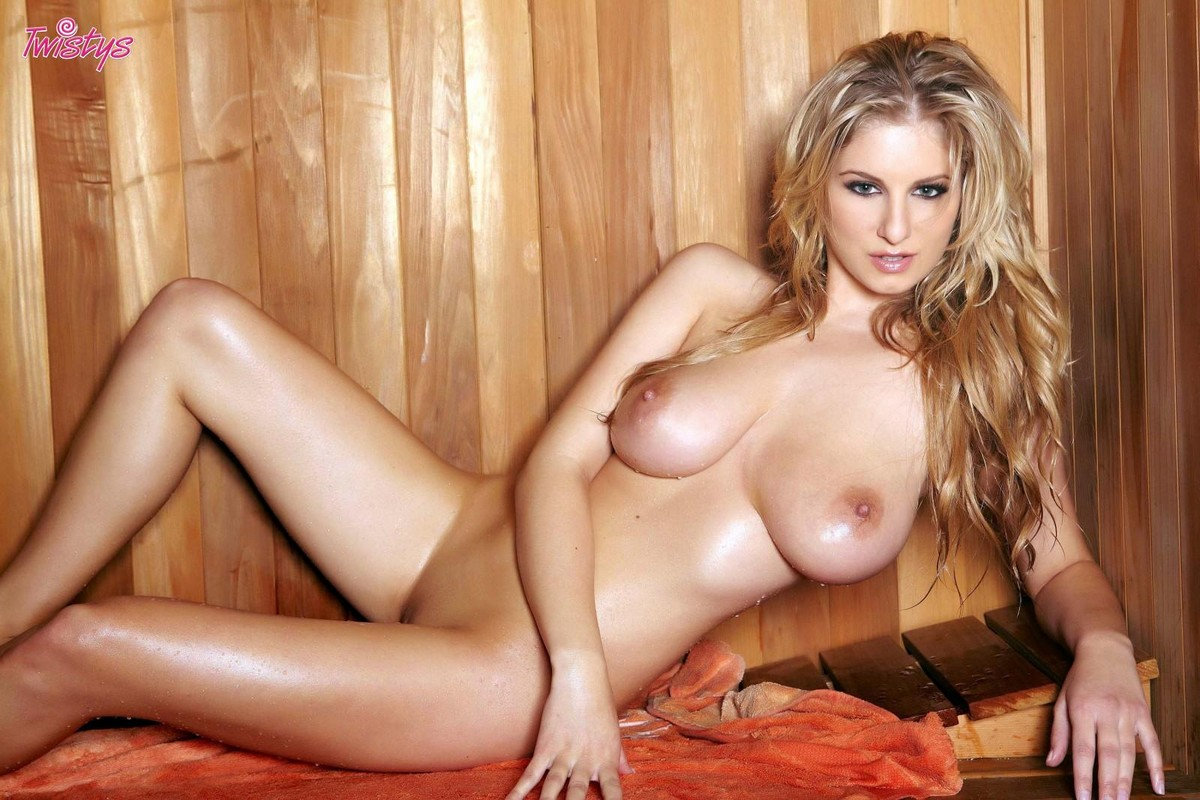 jenny-mcclain-blondy-nude-boobs-sauna-twistys-11