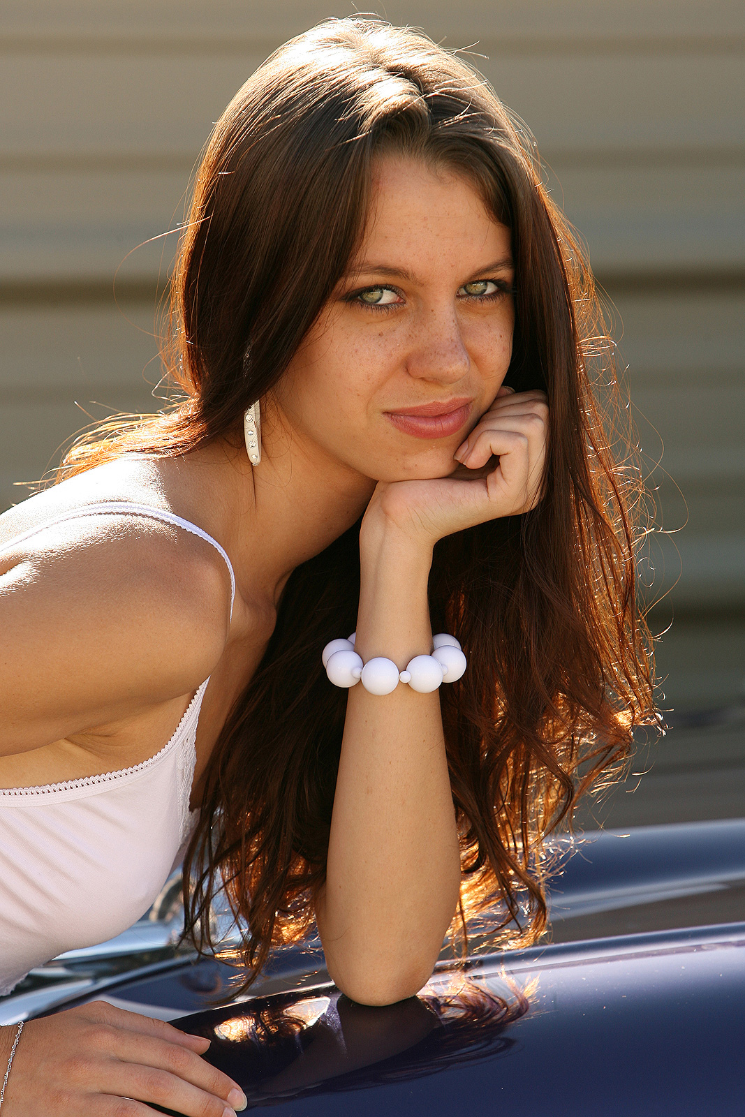 jessica-dawn-white-dress-nude-girl-car-chevrolet-bel-air-02