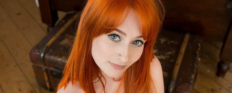 Jessica Lou – Flaming red hair
