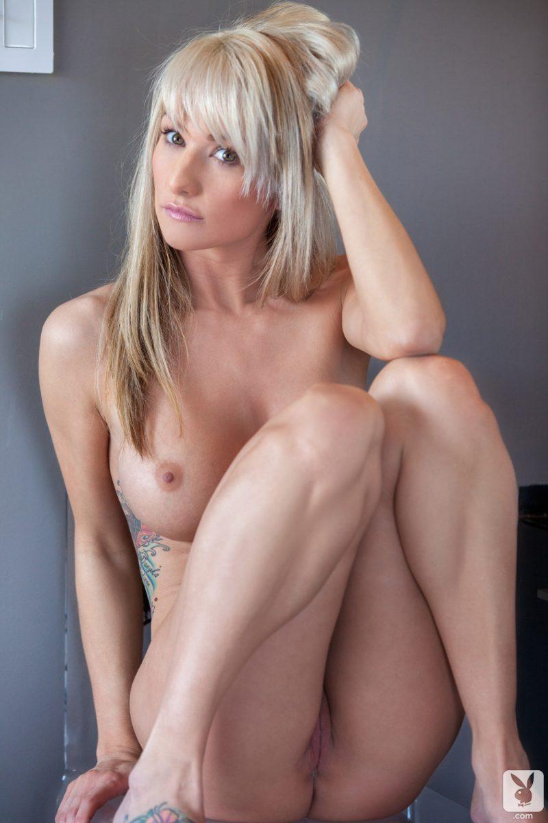 jessie lunderbys naked boobs