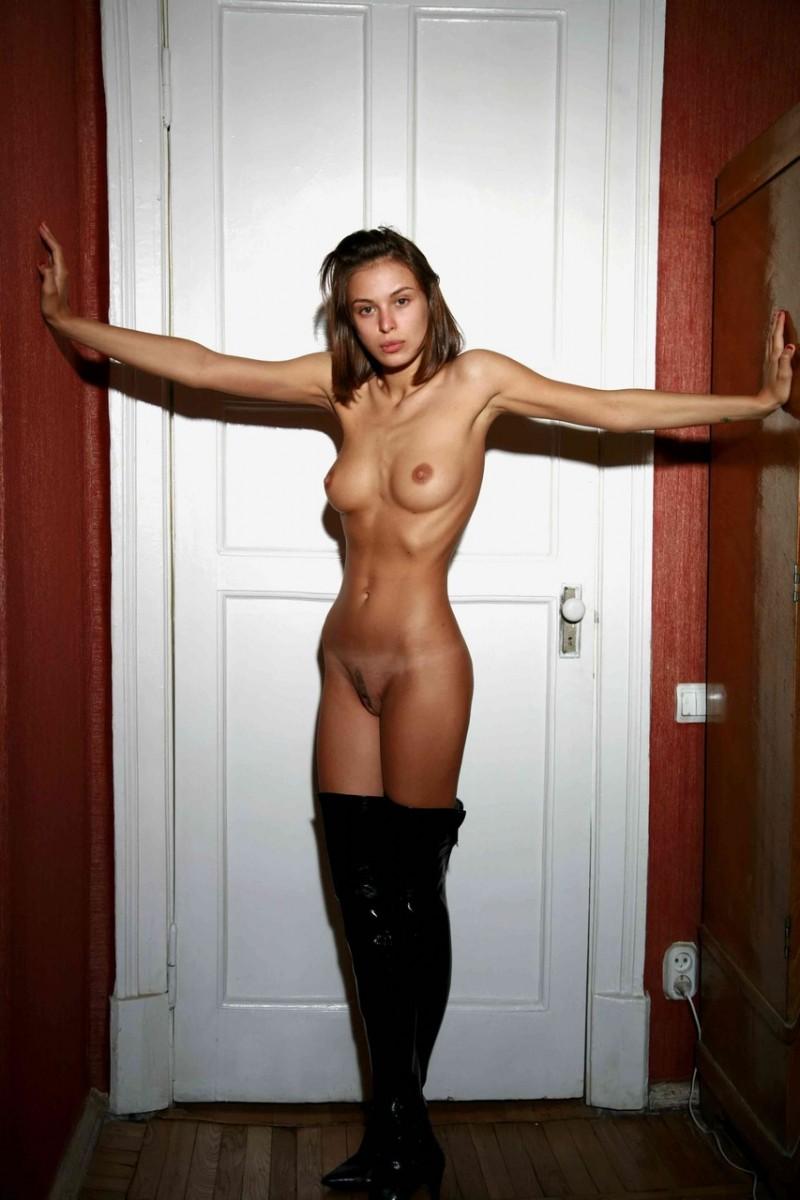 Katarina skinny nude, image sexy nagi giral