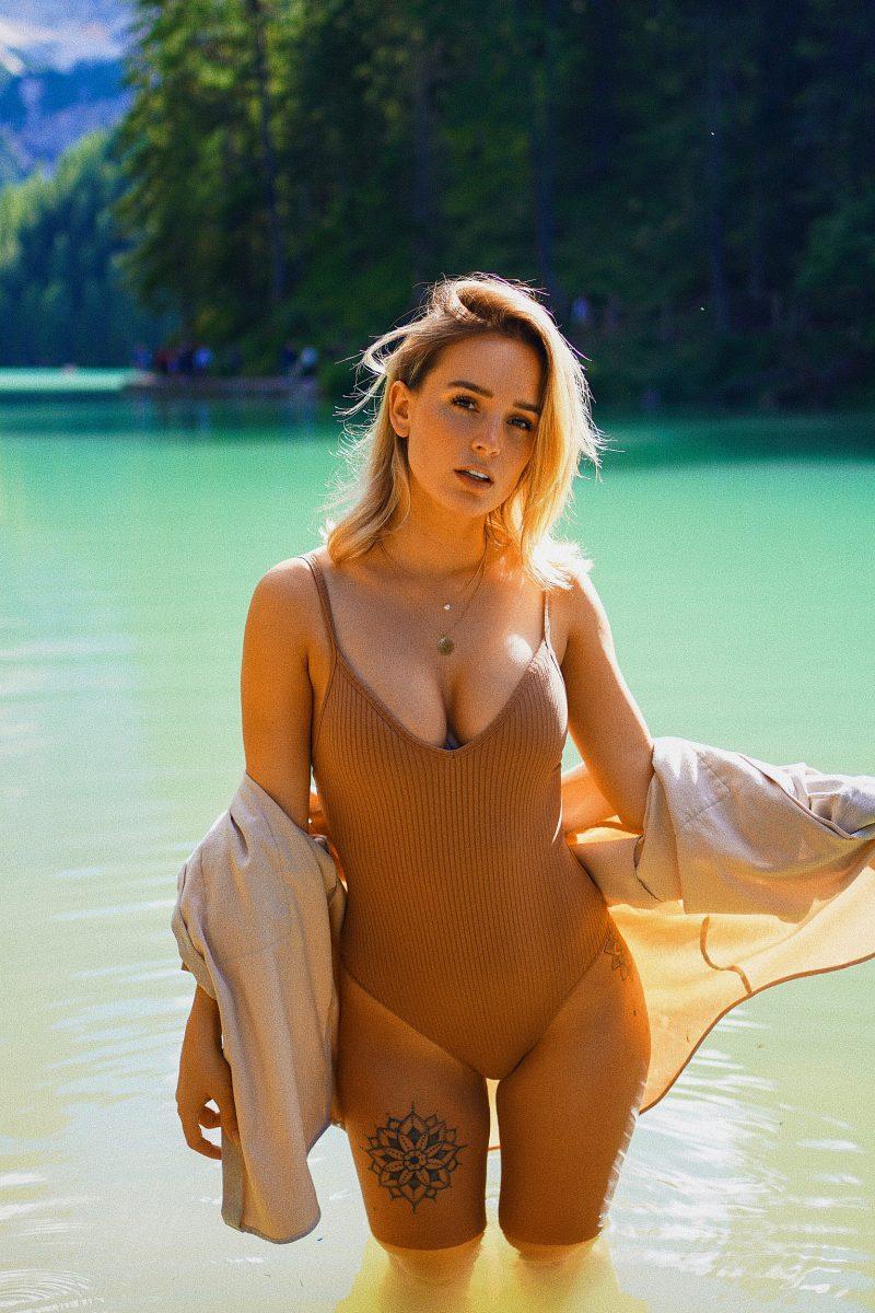 Julia Römmelt  nackt