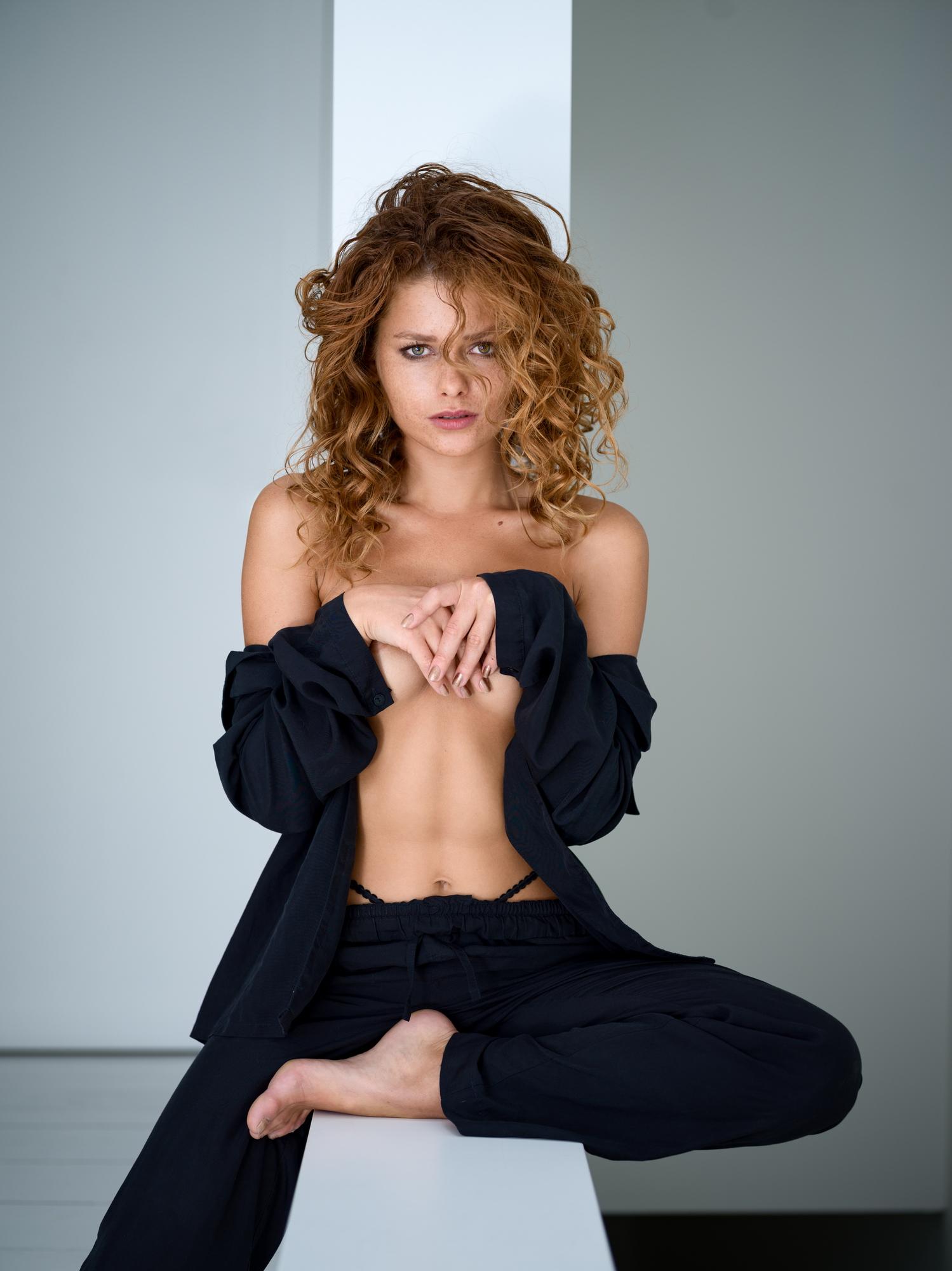 julia-yaroshenko-redhead-erotic-model-freckles-nude-lennylw-07