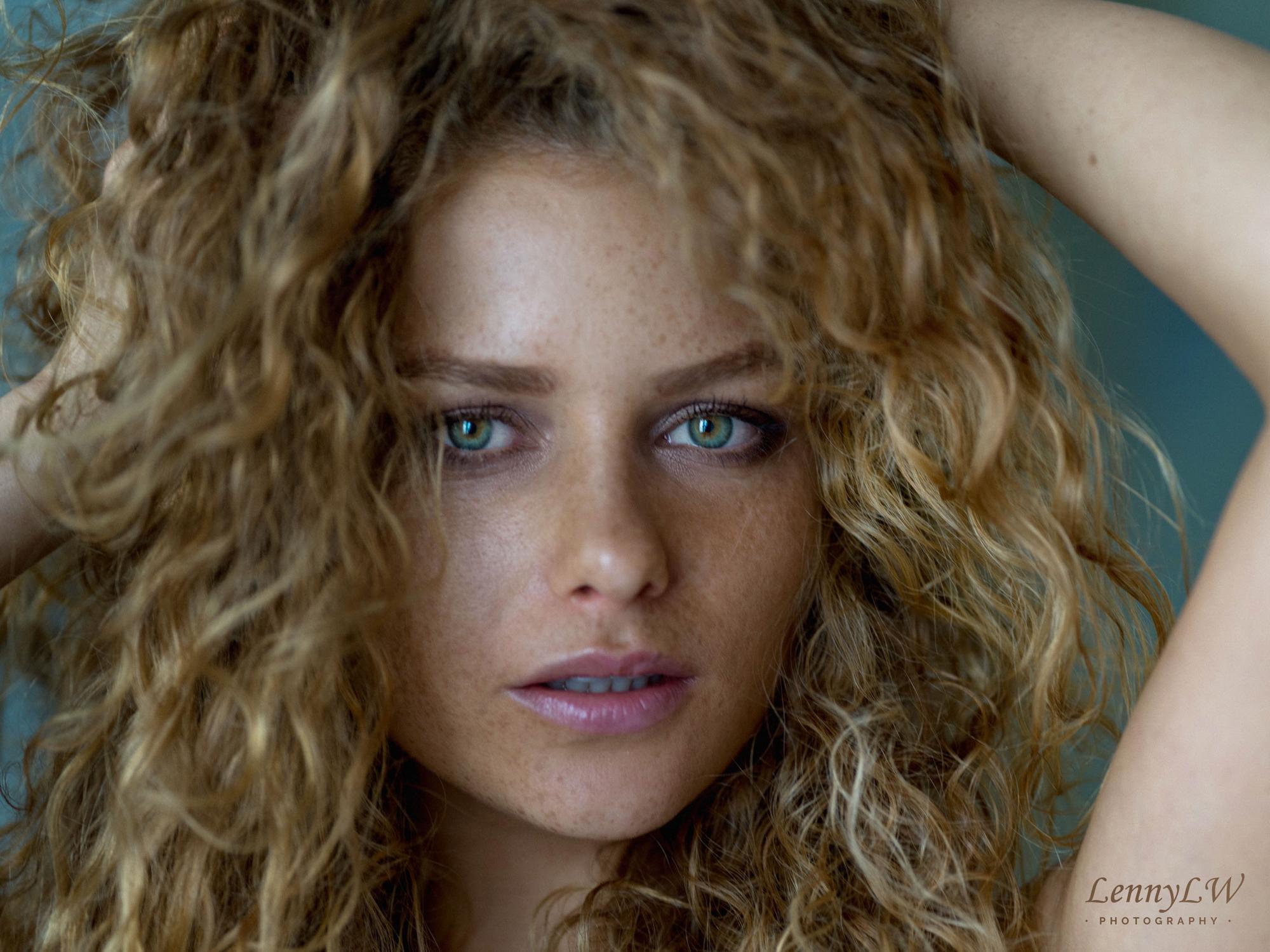 julia-yaroshenko-redhead-erotic-model-freckles-nude-lennylw-23