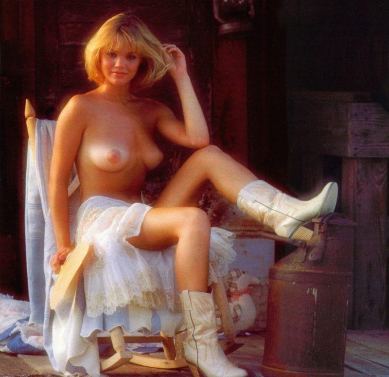 Nackt  Julie McCullough Tawny Kitaen