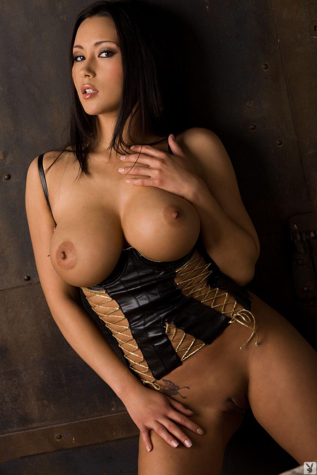 hot brunette actress