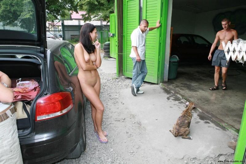 hot girls nude carwash