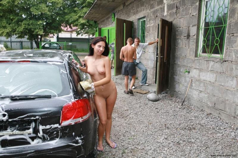 Selena gomez pooping in her underwear