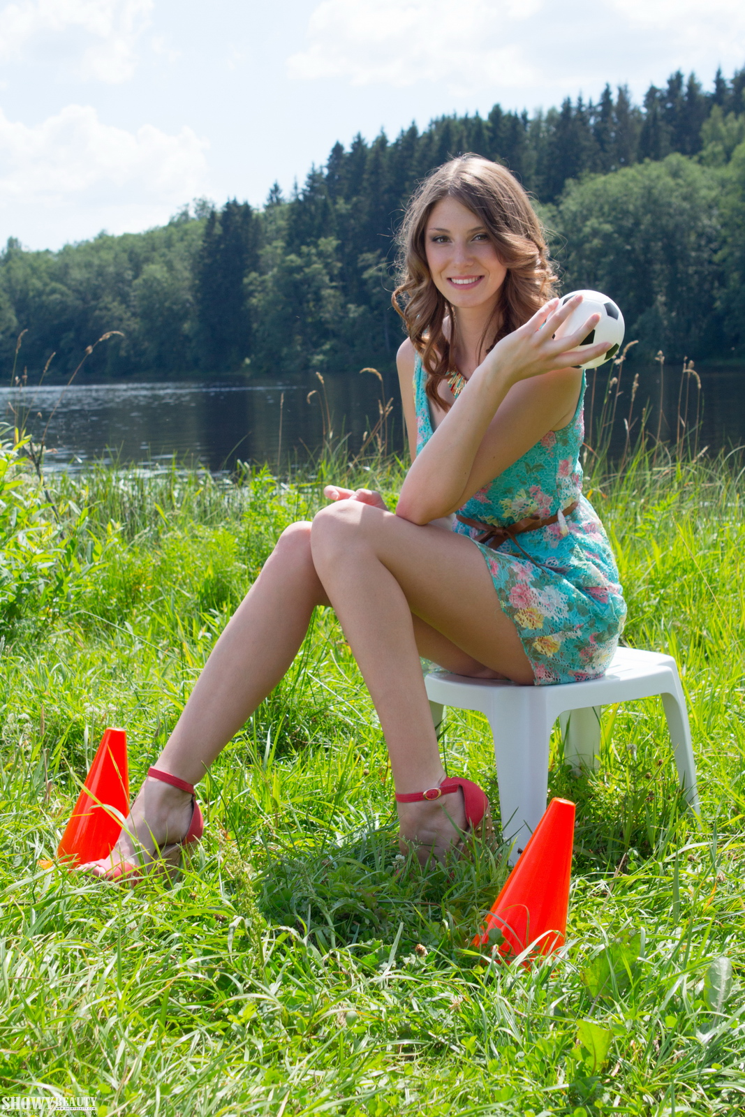 mimi-nude-girl-by-the-lake-showybeauty-01