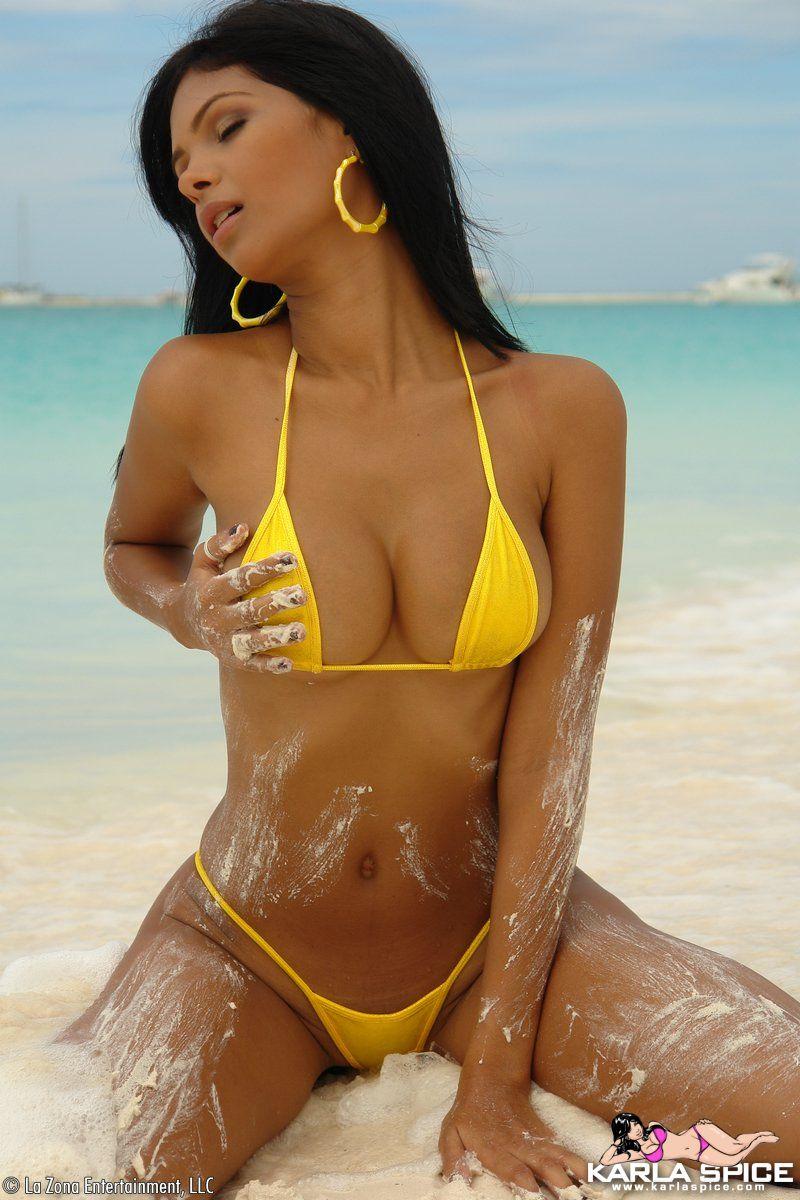 karla spice beach bikini