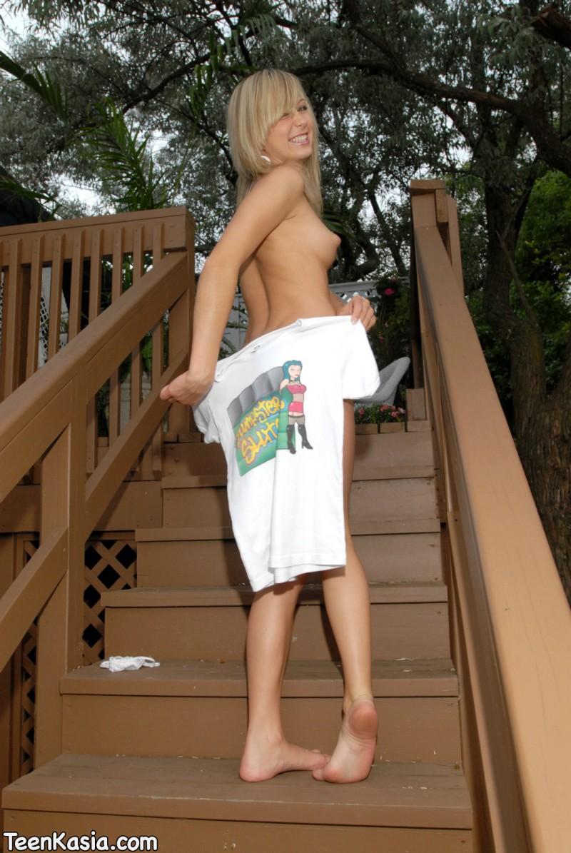 Ninel conde posing nude