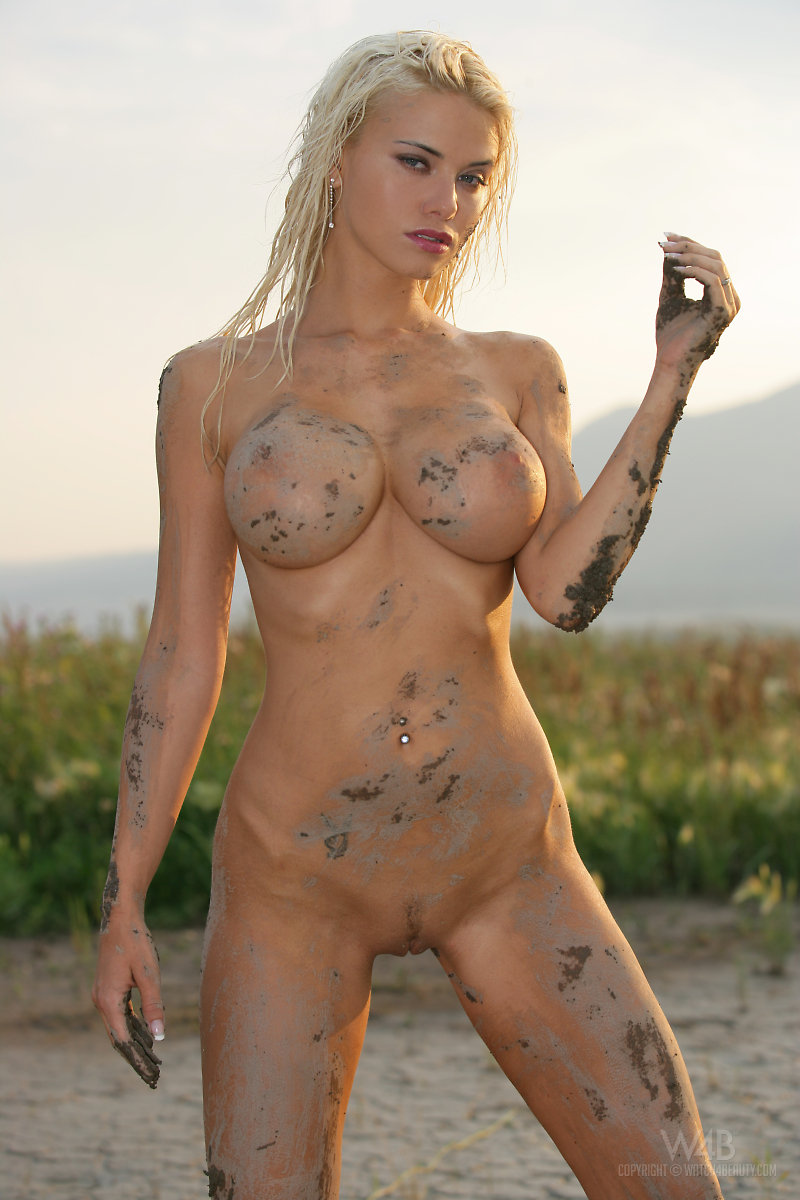 beautiful naked women dirty