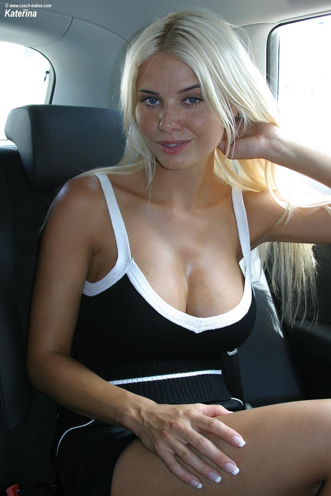 katerina-boobs-car-nude-czech-babes-07
