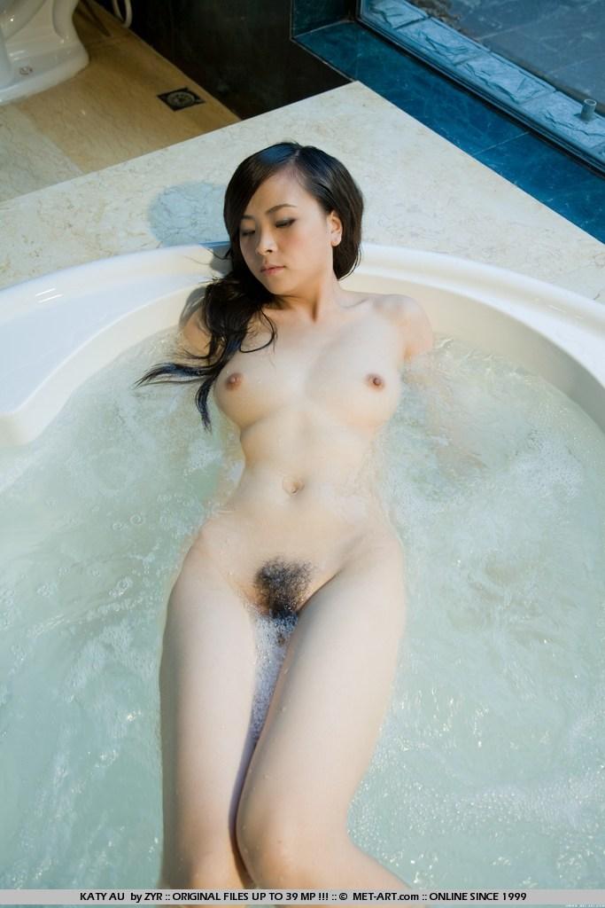 hot naked girl gets huge facial