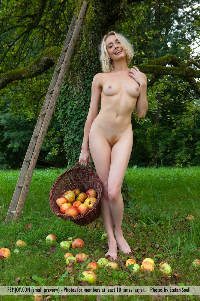 Nude Apple Orchard Hot Girls Wallpaper | CLOUDY GIRL PICS