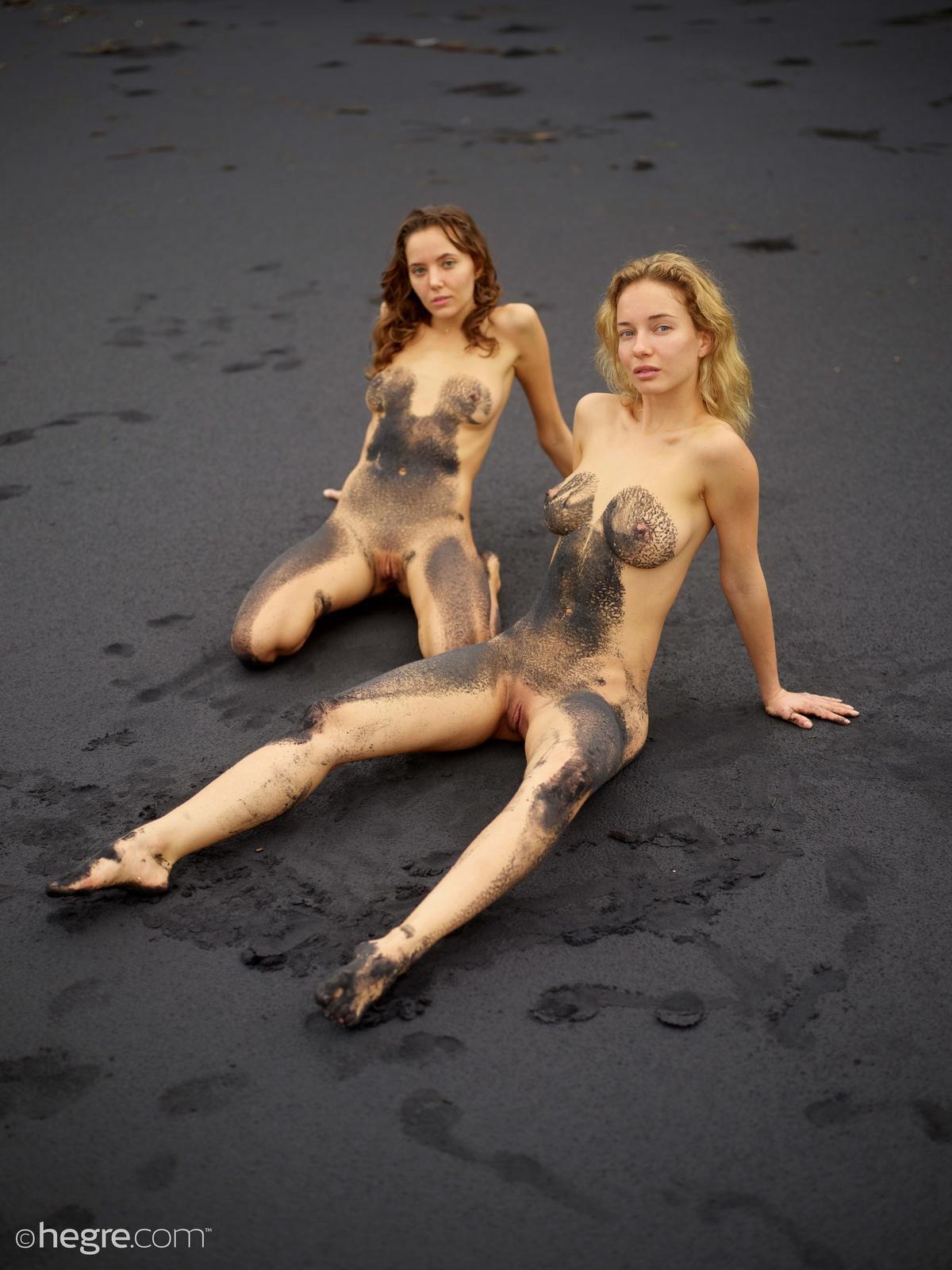 clover-natalia-a-nude-bali-beach-seaside-hegre-25