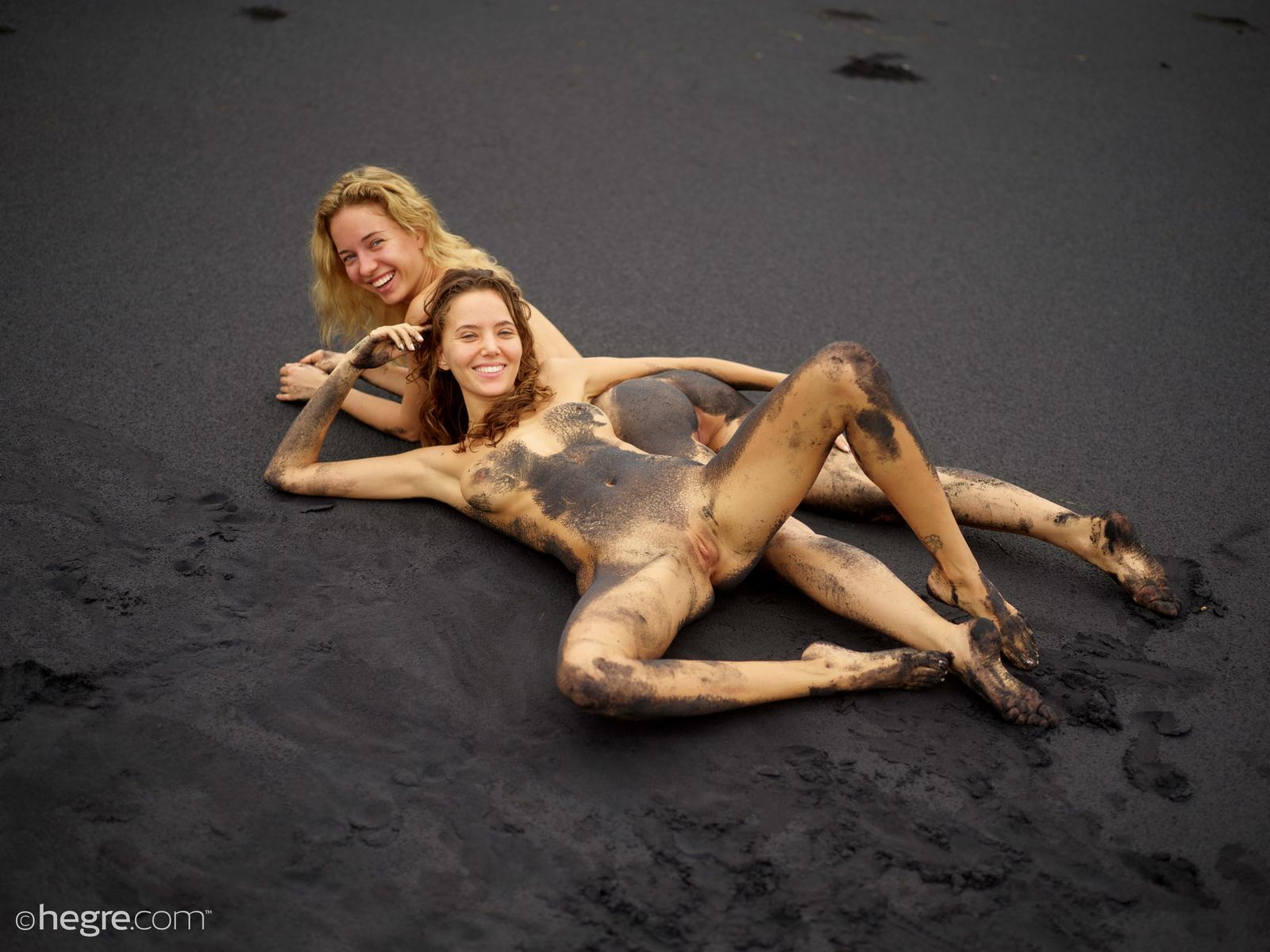 clover-natalia-a-nude-bali-beach-seaside-hegre-29