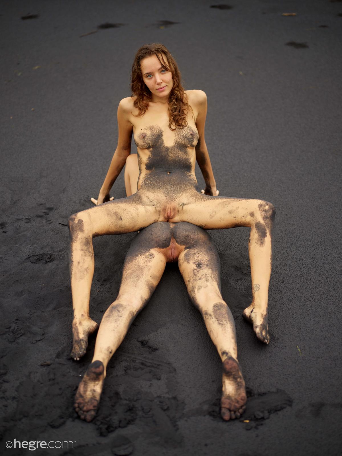 clover-natalia-a-nude-bali-beach-seaside-hegre-30