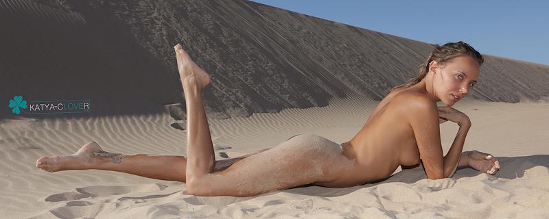 Katya Clover – Sand dunes