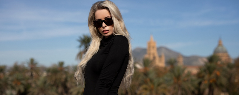 Katya Enokaeva – Blonde in sunglasses