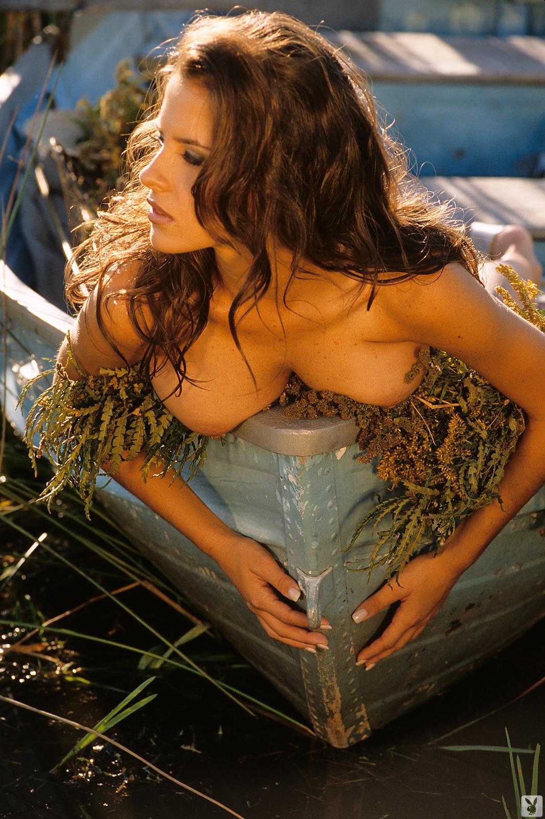 kelly-monaco-boobs-naked-playmate-april-1997-playboy-11