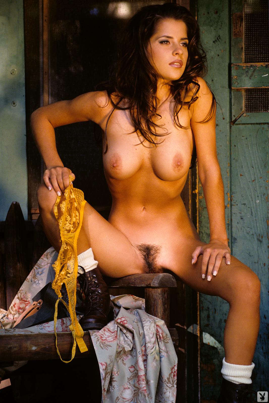 kelly-monaco-boobs-naked-playmate-april-1997-playboy-16