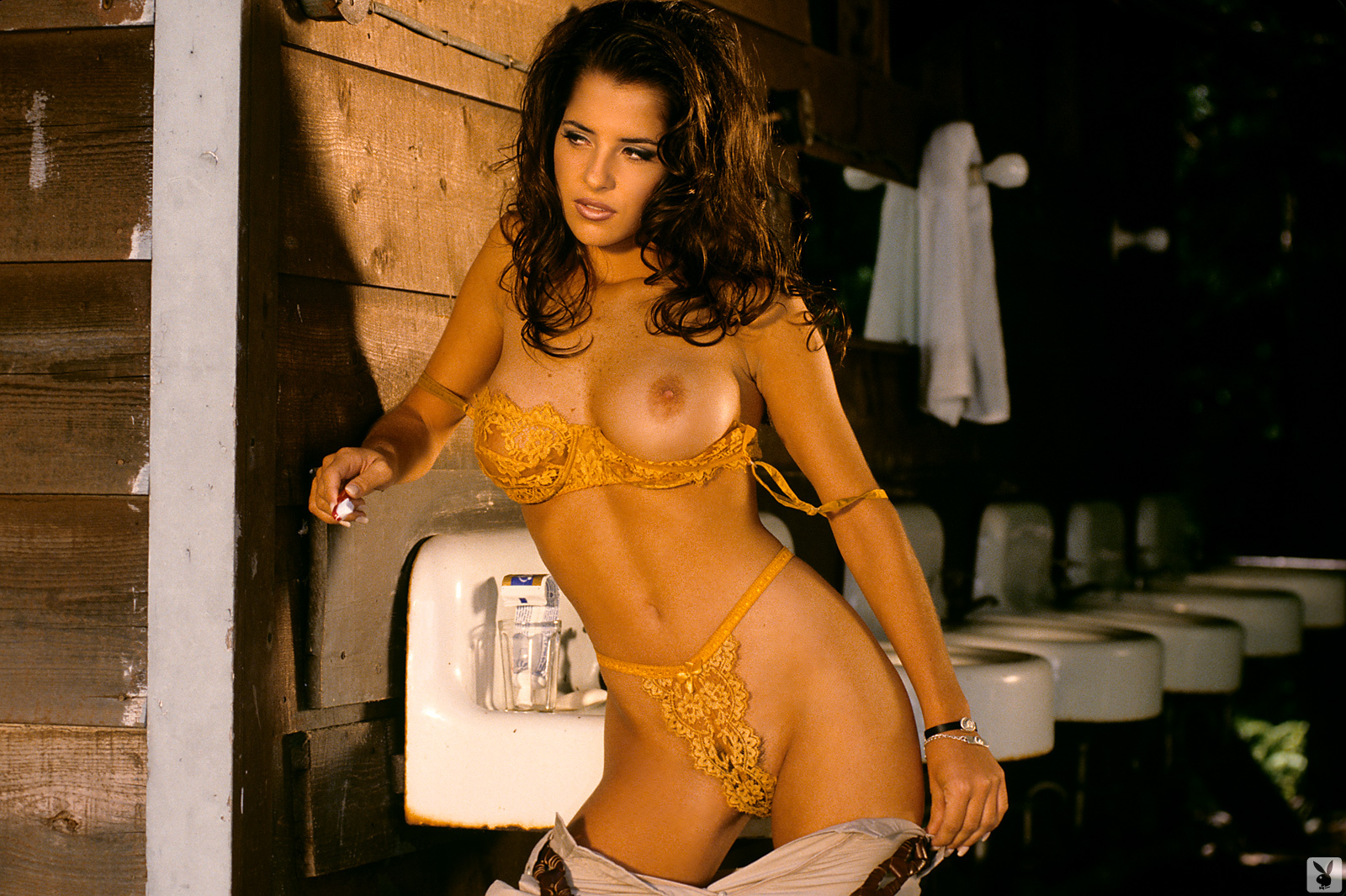 kelly-monaco-boobs-naked-playmate-april-1997-playboy-21