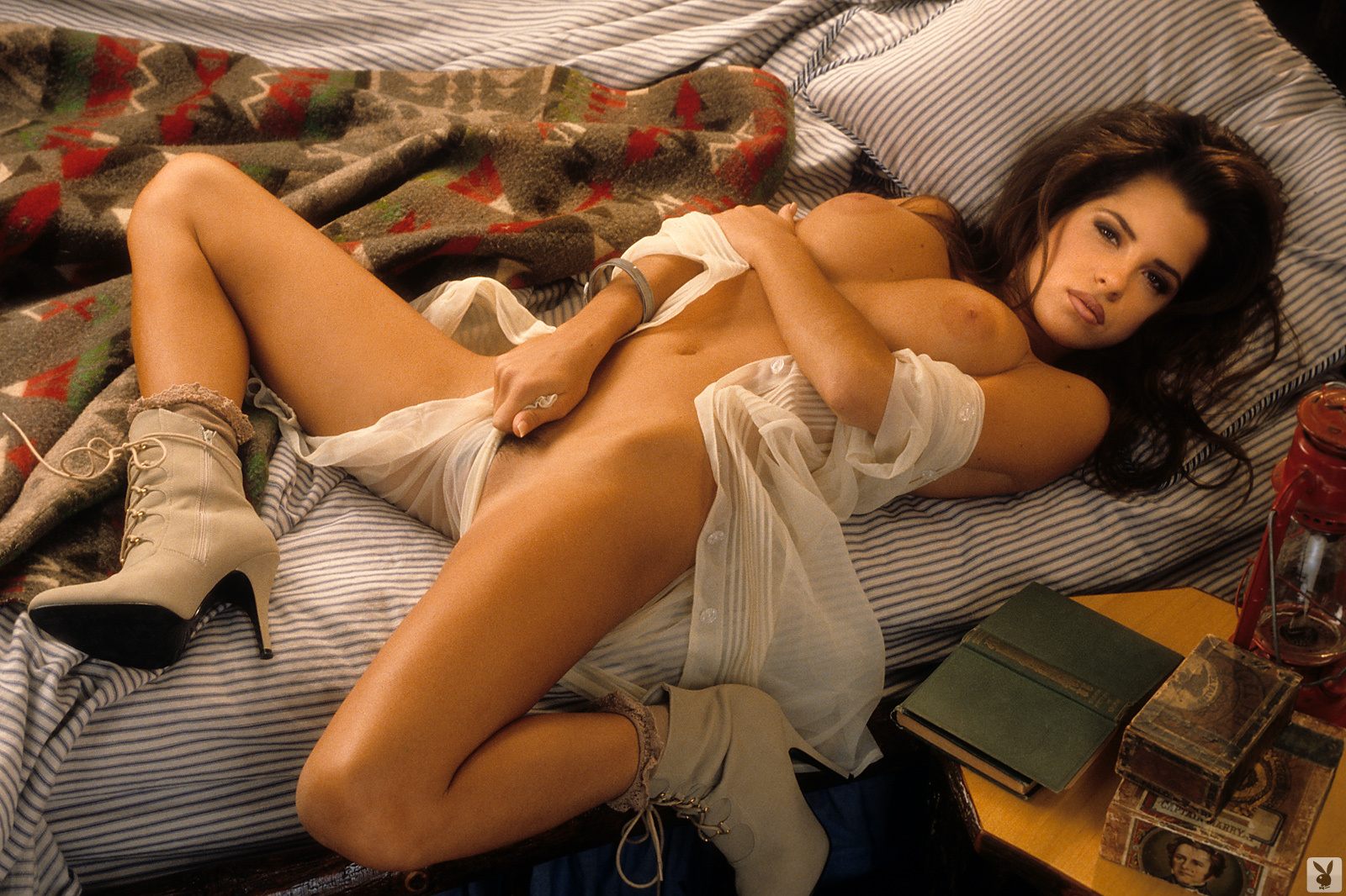 kelly-monaco-boobs-naked-playmate-april-1997-playboy-39