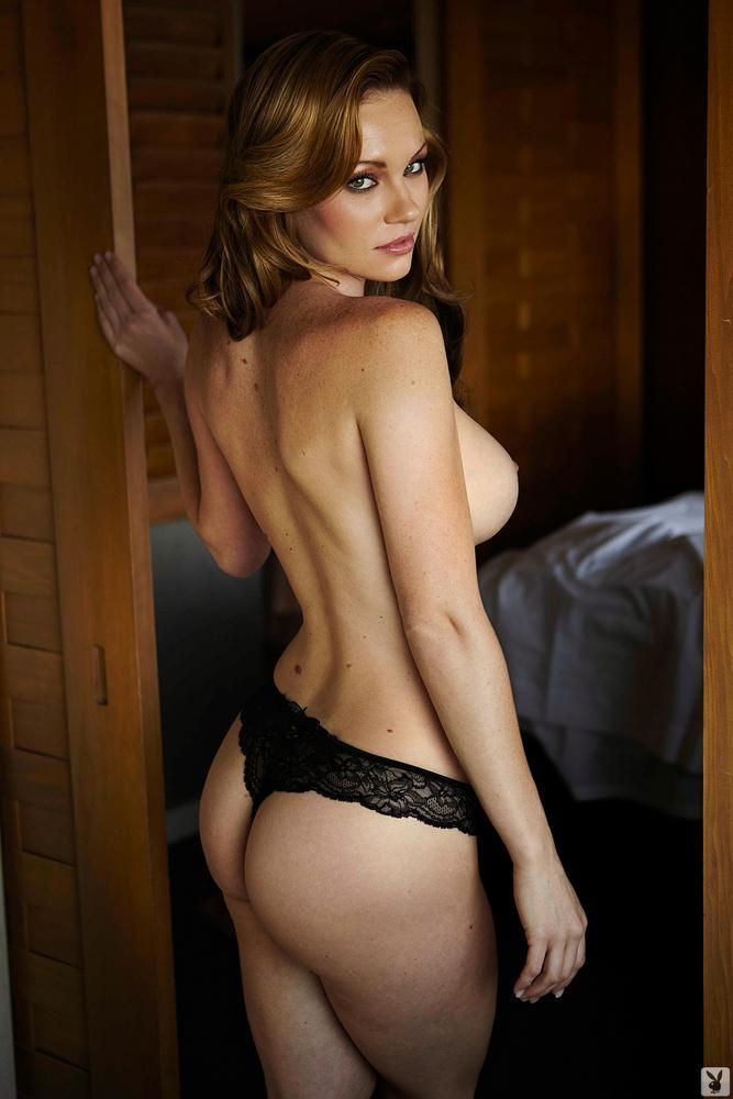 Nude ebony mature woman