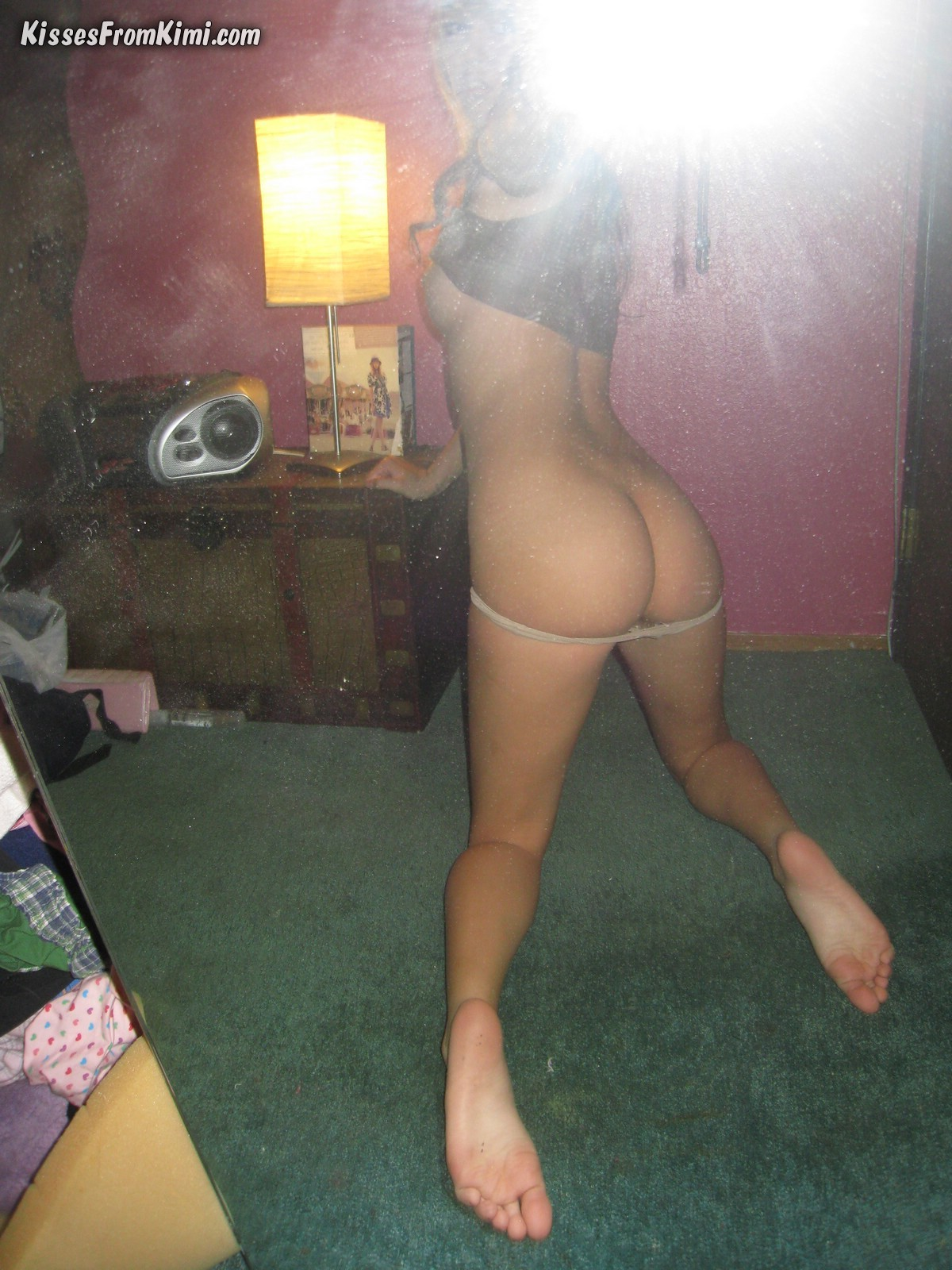 kisses-from-kimi-young-blonde-self-shot-nude-15