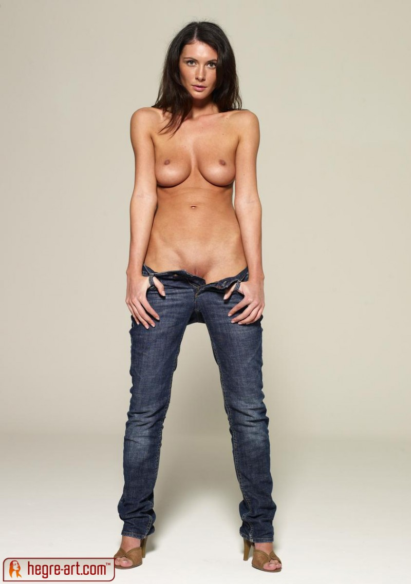 girls with tight jeans on nude