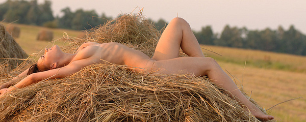 Ksena naked on haystack