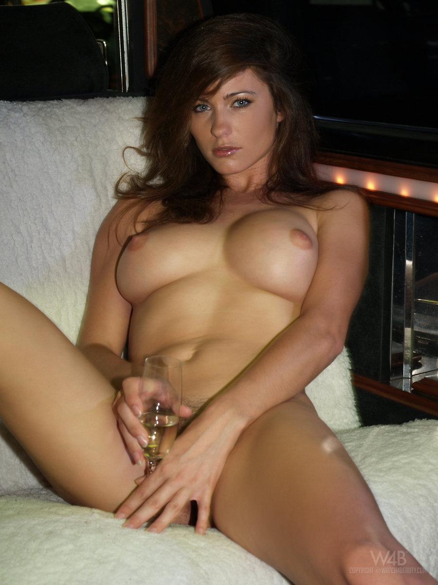 Nicola anne peltz nude