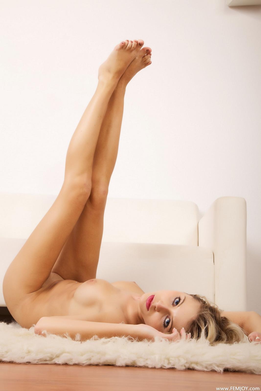 laura-j-blonde-nude-over-knee-socks-high-heels-femjoy-36