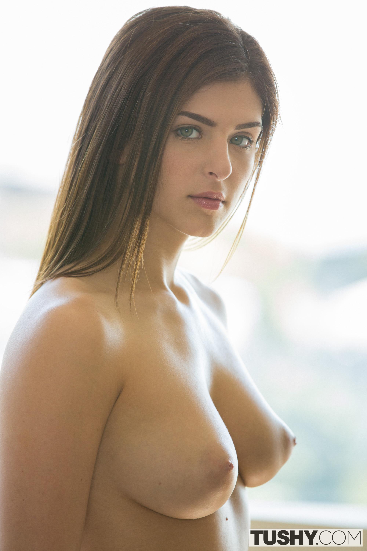 Leah gotti tits