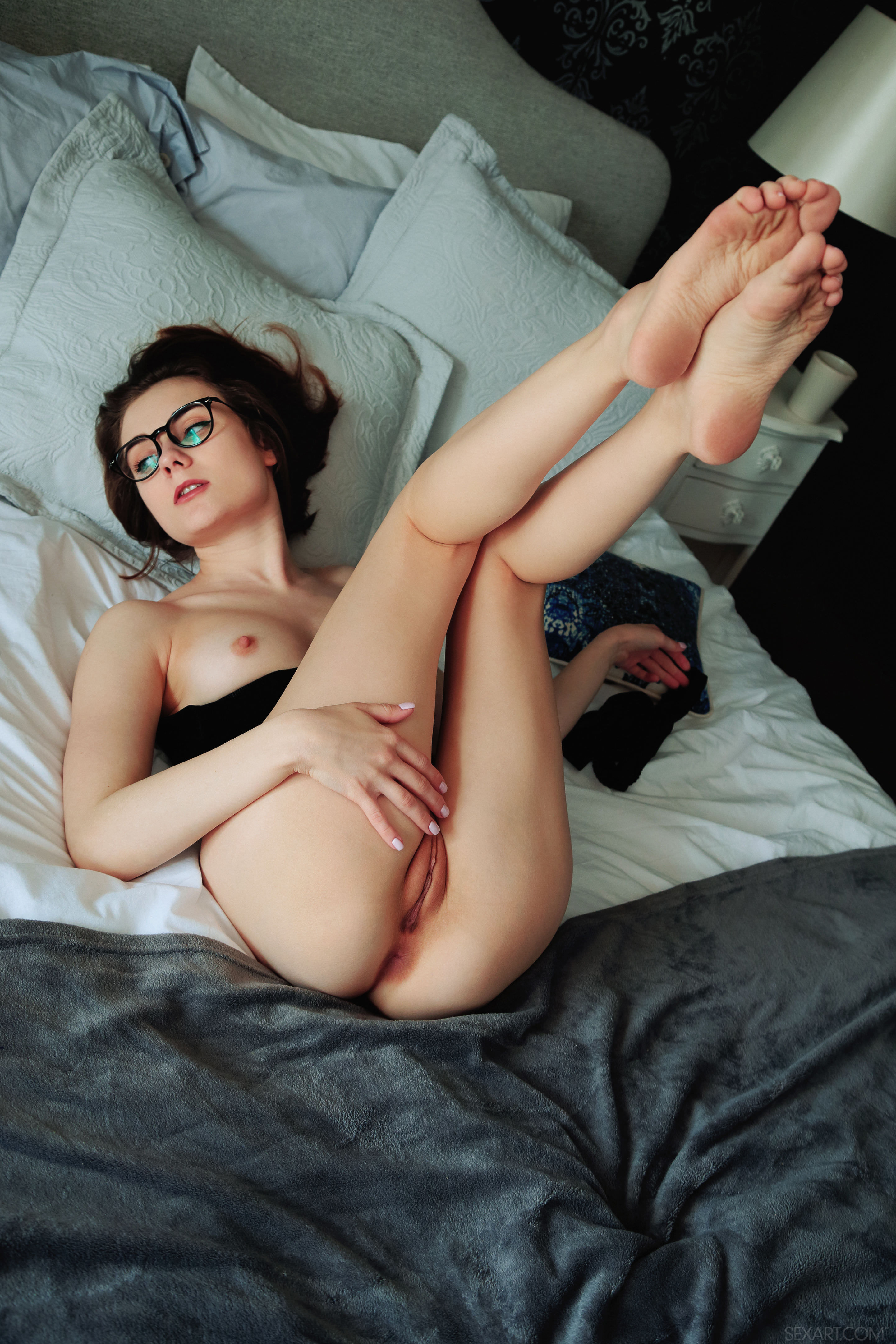 nude-girls-with-legs-up-photo-mix-vol3-05