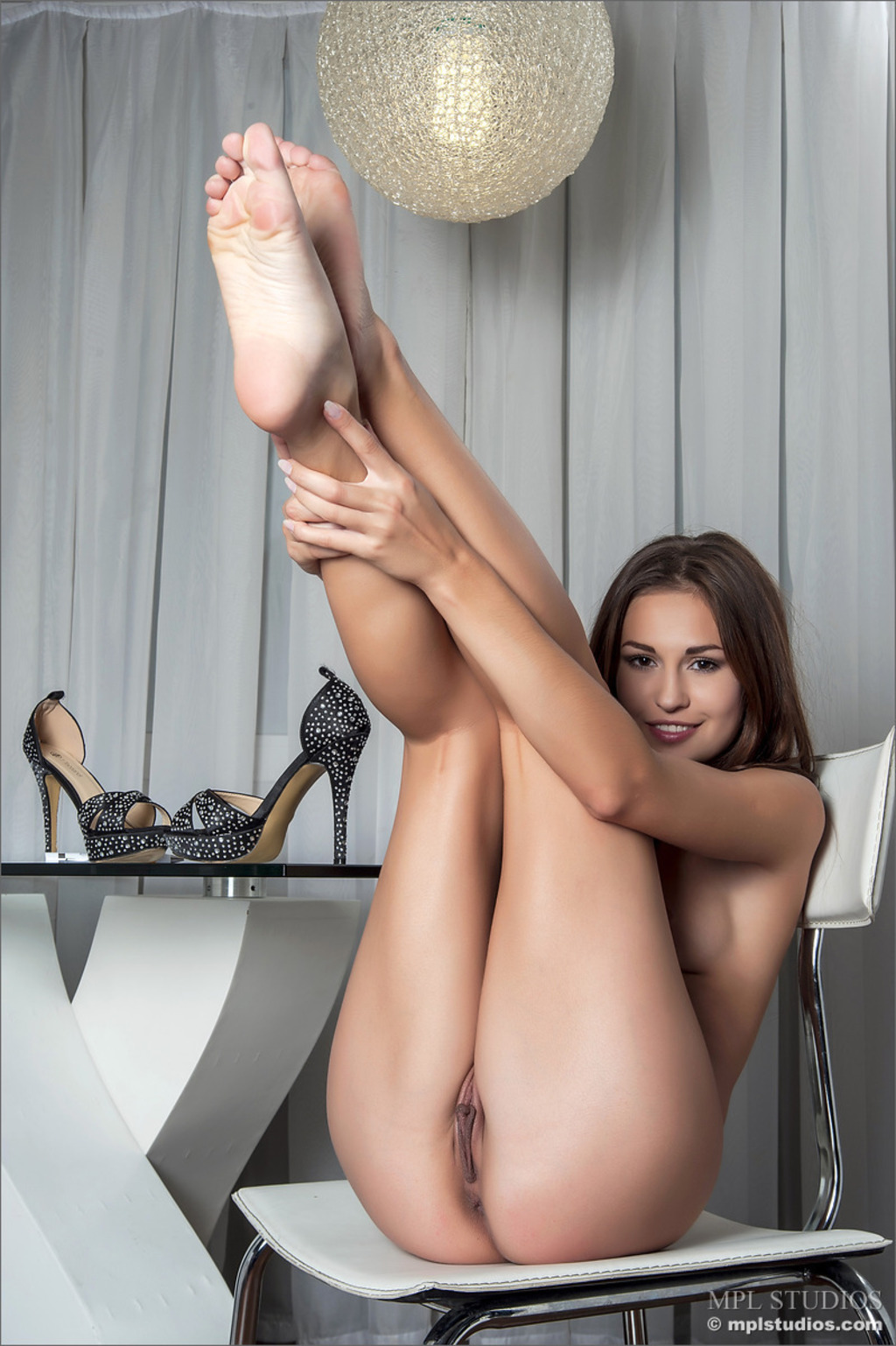 nude-girls-with-legs-up-photo-mix-vol3-15