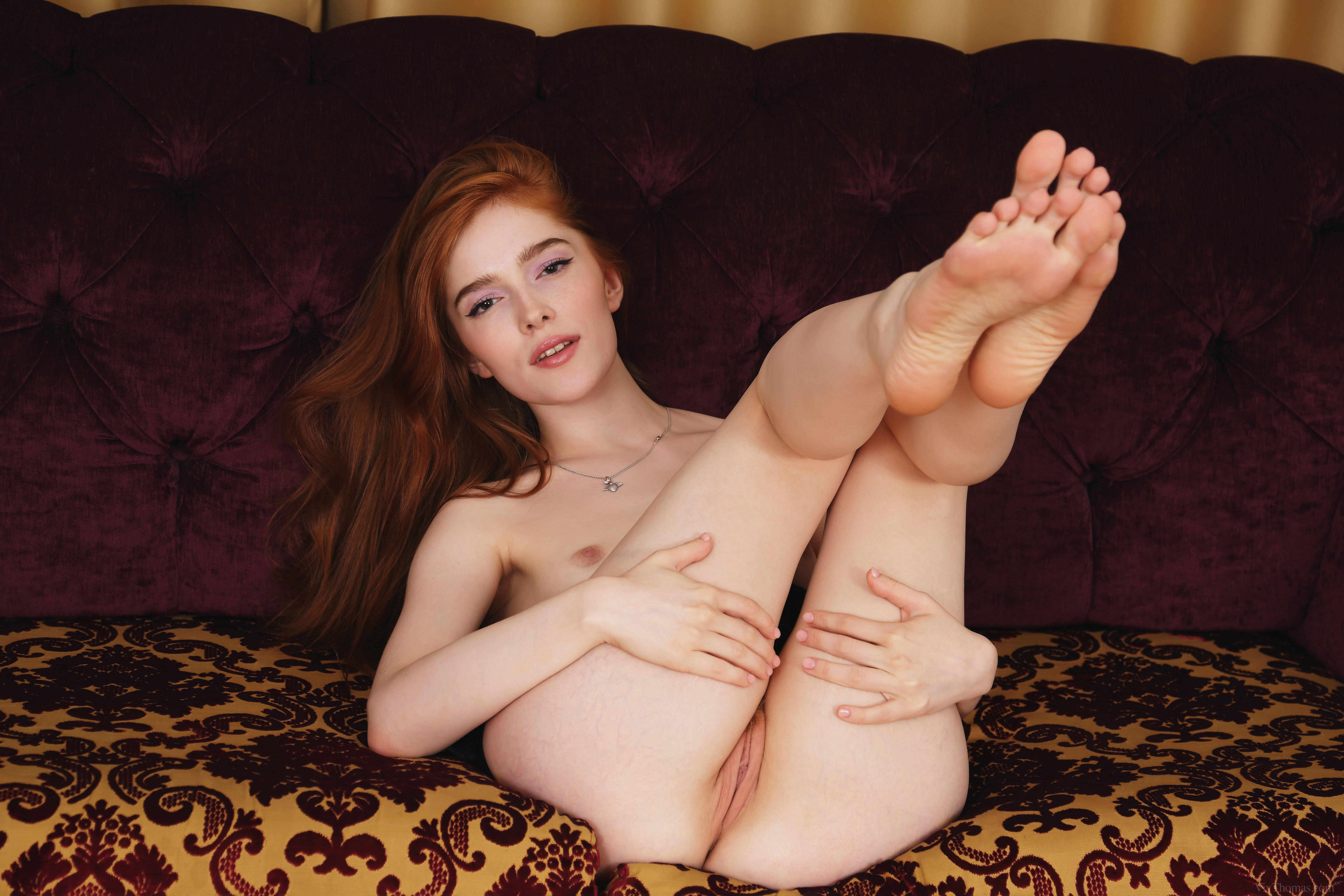 nude-girls-with-legs-up-photo-mix-vol3-29