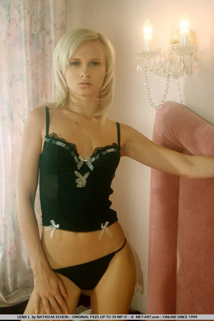 lena-l-black-corset-met-art-02
