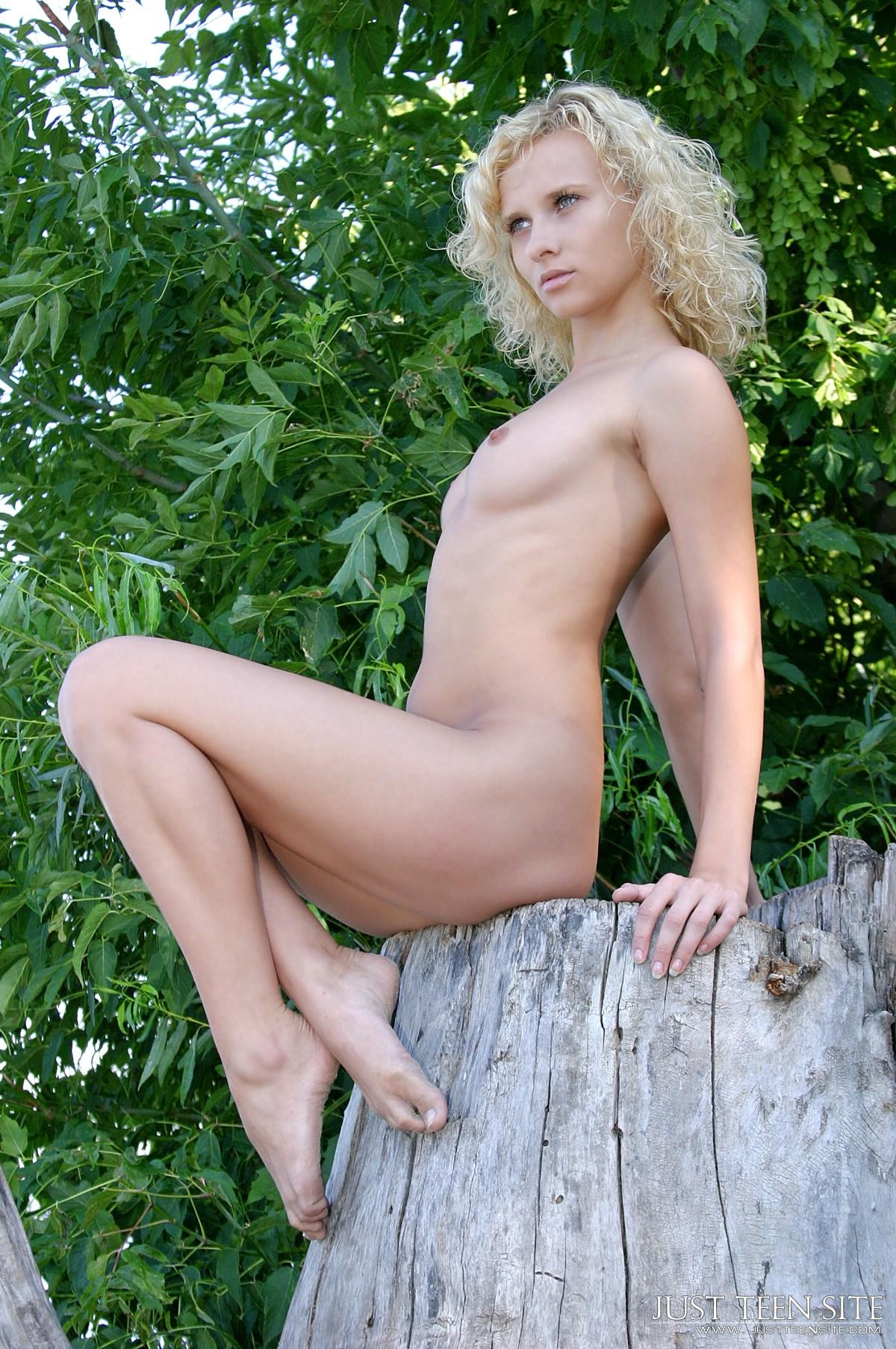 Arab beautiful muslim girls nude